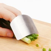 Wholesale Stainless Steel Finger Hand Protector Guard Personalized Design Chop Safe Slice Knife Kitchen Cooking Tools ZH251