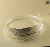 Wholesale mm feather bangle silver plated vintage style bangle feather charm bangle finding cy996