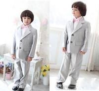 Precio de Lazo formal de color rosa-Los muchachos del smoking de los muchachos de la plata del envío rápido viste los pantalones que casan los juegos para los muchachos con la pajarita rosada (Jacket + Pants + Tie + Vest)
