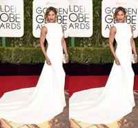 achat en gros de golden globe robe blanche-2016 Golden Globe Laverne Cox Celebrity Robes Sexy O Cap Manches Blancs Robes de soirée abiti da cerimonia da sera Robe de tapis rouge