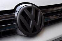 Wholesale VW High Quality Bonnet Badge for VW Golf MK6 GTI R20 Auto Hood Emblem VW mm Front Badge New