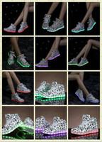 design Remarque lumières colorées USB recharge chaussures LED lumineuses hommes / femmes de chaussures de sport de haute aide bottes rue danse chaussures Light 35-44