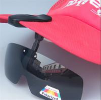 achat en gros de lunettes de soleil clip noir-Nouvelle arrivée Polarized Hat Visières Clips Cap / VTT / Randonnée / Golf / Ski Noir / Brown Livraison gratuite Clip sur Lunettes de soleil pour la pêche