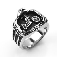 casting jewelry - Fashion Motorcycle Biker Charm Ring L Stainless Steel Skull Ring Unique Casting Jewelry Punk Rock Heavy For Men one pes