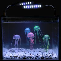 Удивительно!! 6 цветов Дополнительный 8 см Искусственный светящийся Медузы с Sucker Fish Tank аквариум украшения Аквариум украшения Аксессуары