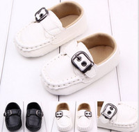 Wholesale Fashion baby first walker non slip shoes toddler infant soft leather shoes black white