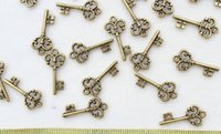 skeleton key - set of Skeleton Keys Vintage Keys Antique Bronze tone plated Pendants Charms light weight wedding embellishement