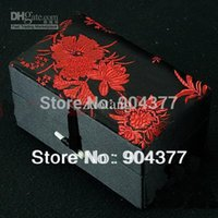 Wholesale High End Tall Jewellery Gift Boxes Cotton filled Snuff Bottle Box Silk Brocade Crafts Packaging Box Storage Cases