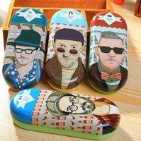 Wholesale Creative Vintage Fashion Uncle seies metal eye glasses case sunglass box cases clean up box Fashion gift