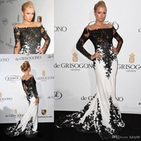 black and red evening dress - 2015 white and black red carpet celebrity dresses mermaid jewel neck formal evening gowns applique lace long sleeves prom dresses