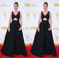 amanda peet - Amanda Peet Black Evening Celebrity Dresses th Emmy Awards Sexy V neck Sleeveless Open Front A line Lace Red Carpet Prom Gowns