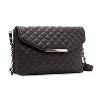 Wholesale Hot new fashion handbags retro shoulder Messenger fashion chain Lingge clutch bag
