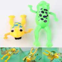 Wholesale Color Random Funny Baby Kids Bathing Toy Clockwork Wind Up Plastic Swimming Frog For Fun Drop Shipping Toy