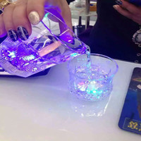 Wholesale LED flash glasses of pineapple cup induction induction LED Cup transparent cup Moonwalker Bar KTV party
