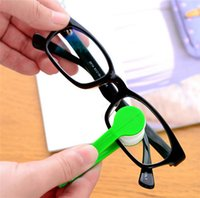 Wholesale New Mini Portable Sun Glasses Microfibre Spectacles Cleaner Glasses Wipe Clean Cleaning Clip Glasses Companion DCBH28