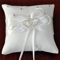 Wholesale Bride Ring Pillow Hot Pillow Bride Ring Pillow Hot Elegant Bowknot and White Pillow Beautiful Diamond Ornament Wedding Accessories