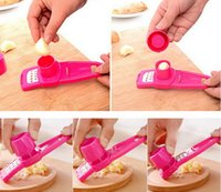 Wholesale 1x New Creative Hotsale Multi Functional Grinding the Garlic Kitchen Good Helper by DHL