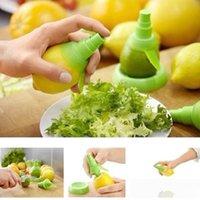 fruit squeezer - New Pratical Cooking Tools Lemon Fruit Citrus Lime Orange Stem Sprayer Juice Maker Juicer Kitchen Supplies