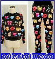 Compre Blusas emoji-Harajuku Novo Inverno 3D Tracksuit Imprimir Emoji Jogging Ternos camisola Camisas + sweaterPants Set, Homens / mulheres Sportwear frete grátis