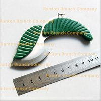 Wholesale New Creative Green Leaf shape pocket knife folding car styling keychain knife outdoor camping knife hiking survival tool knifves gift
