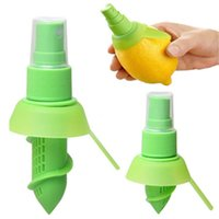 Wholesale 10pcs Lemon Juice Extractor and Fruit Citrus Juicer Lime Orange Stem Sprayer Juice Maker Juicer Kitchen Tool