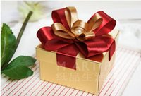Wholesale 50Pcs Gold Nobility Candy Boxes With Pearls Wedding Favor Box May Style