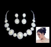 Wholesale Fashion bridal necklace and Earring Pearl Hair Accessory For Bride Set Marriage Accessories