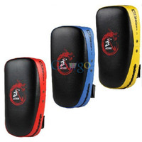 Wholesale High Quality Muay Thai Kick Boxing Strike Curve Pads Punch MMA Focus Target Pad Colors Available