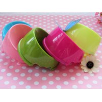 Wholesale Anti skid Durable Lovely Pets Plastic Bowl Feed Drinking Dog Cat Nontoxic Random Color MTY3