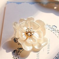 Wholesale Luxury Vintage Flower Brooches Shell Fashion Pearl Brooch Pins Jewelry for Women BX013