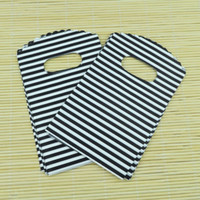 Wholesale Plastic Bags x15cm black stripe pattern Plastic Bag with handle jewelry gift cosmetic packaging pouches