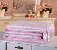 Wholesale Mulberry silk pink white blanket comforter quilted handmade jacquard cotton for king queen twin size winter bedclothes cover