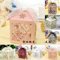 Wholesale Love Heart Laser Cut wedding Candy favours holders chocolate boxes Gift Boxes With Ribbon christmas wedding favours baby shower Favor Bags