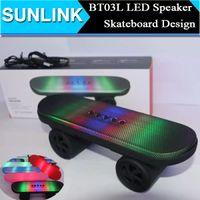 BT03L Skateboard mini altoparlante stereo Bluetooth con LED audio Suono Luce portatile senza fili Subwoofer Car Handsfree MIC FM del giocatore di musica Box