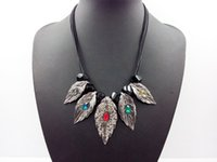 autumn leaves necklace - 2015 early autumn fashion women jewelry Leaves short necklace