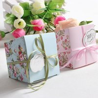 Wholesale Blue Pink Red Floral Flower Trapezoid Wedding Favor Candy Boxes Gift Box Sugar Candy Box With Ribbons