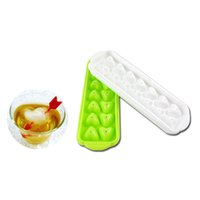 Wholesale Hot Sale New Arrival Heart Shaped PP Ice Love Ice Case Ice Molds white green