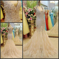 Wholesale Halter Sleeveless Beaded Crystal Prom Dresses Long Formal Evening Gowns With Feather Mermaid Champagne Sparkle Prom Party Dress Vestido