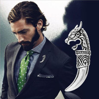asian clothes men - European Fashion Personality Jewelry Vintage Metal Wolf Brooches Pin For Men Clothing Accessories Hot Sale New