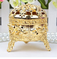 Wholesale GAGA gold tripod shaped wedding chocolate box JXL1B