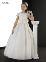 aire organza - 2015 Cheap Flower Girls Dresses Ivory Organza Hand Made Flower Bow Communion Dresses Girl Pageant Gowns Short Sleeve Lace Aire LOLA