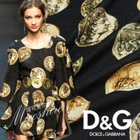 Wholesale Imports of high grade gold brocade court dress fabric fashion jacquard fabrics special