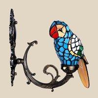 al por mayor montaje único-Lámpara de pared de Tiffany guacamayo pájaro pared de vidrio de color de la lámpara montada acento para lámpara vestíbulo novedad casa única del regalo de la decoración