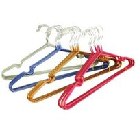 Wholesale Hot sale metal cheap hangers with groove which can prevent clothes slip down