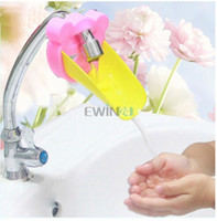 Wholesale Hot Selling Plastic Water Faucet Extender Assist to Wash Hands for Toddler Kids Children