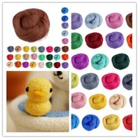 Wholesale Hot sale colors to choose Wool Fibre Wool Roving For Needle Felting Hand Spinning NEW Craft materials DIY gift