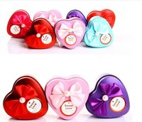heart shaped tin box - European Style CM Heart shaped tin candy box with butterfly knot Wedding Favour Boxes Chocolate Candy Gift Box Christmas gift box