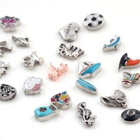 Wholesale Mix Style Alloy Floating Charm Heart Charm Footprint Charm Flower Charm for Living Memory Glass Locket Necklace Bracelet