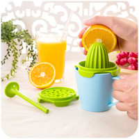 Wholesale vanzlife multi manual juicer four sets baby home lemon juice orange fruit squeezer