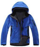 Wholesale 2015 new men outdoor hiking jackets softshell windstopper waterproof warm windbreaker sportsportswear Climbing Glof